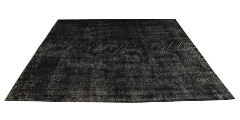 6.0 X 8.11 Ft..  184x271 cm Simple pattern black carpet